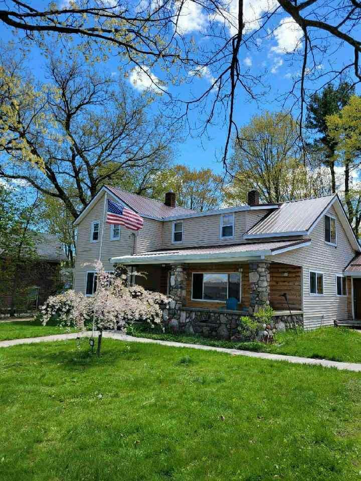 158 Oak, Harrison, MI
