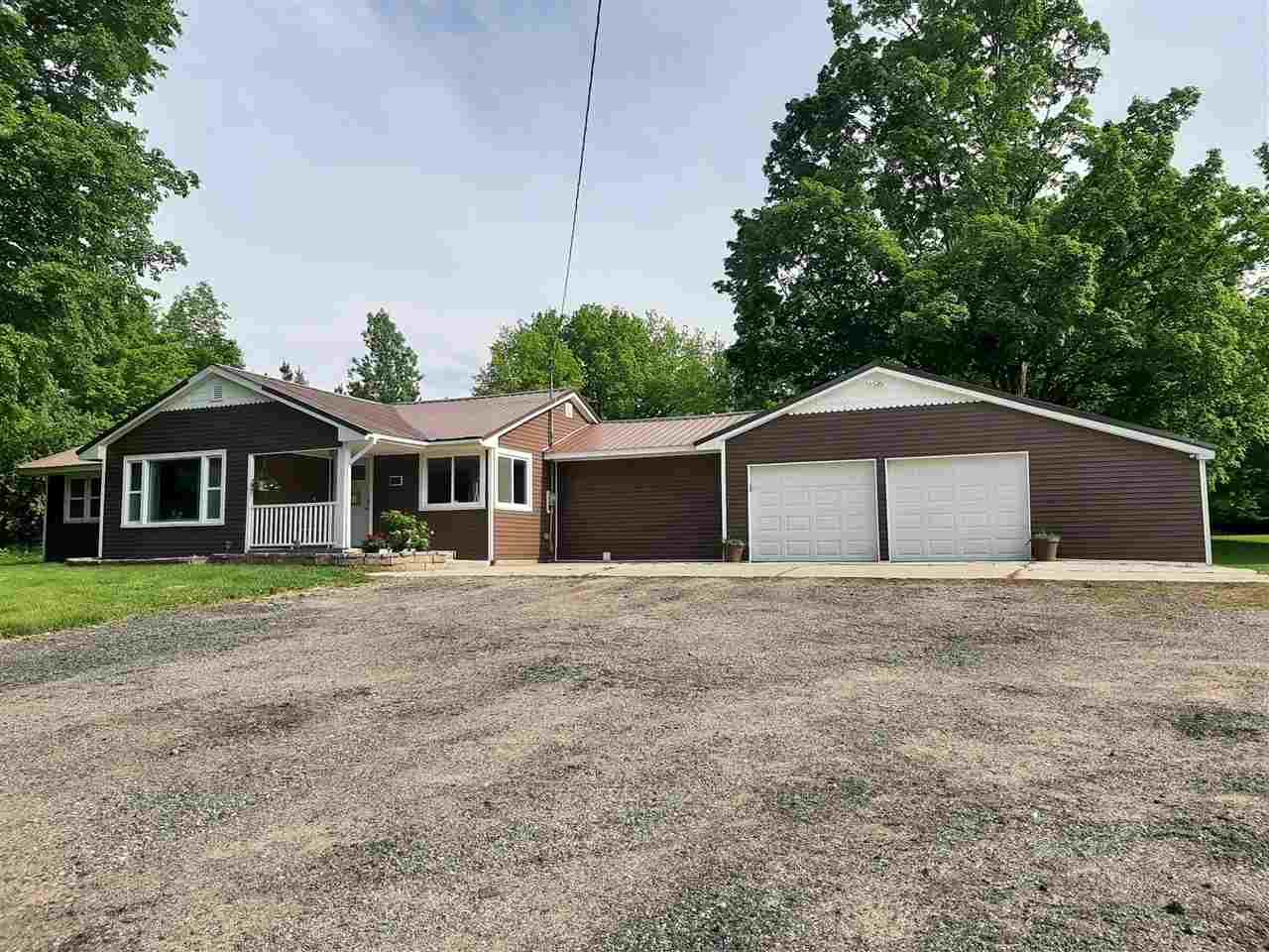 7720 Arnold Lake Rd, Harrison, MI