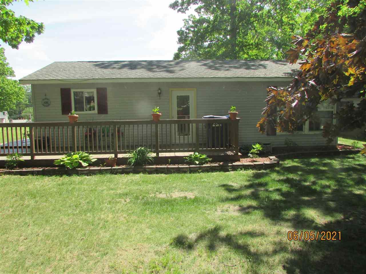 806 Greenlawn, Harrison, MI