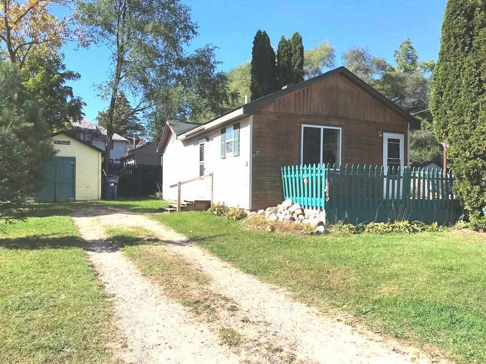 577 Lake St, Harrison, MI